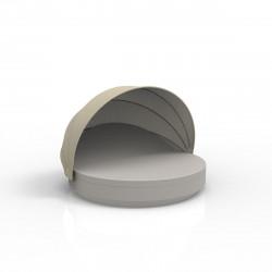 Lit de soleil rond design Vela Daybed, avec parasol, dossier inclinable, coussin Silvertex taupe, Vondom