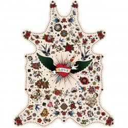 Tapis Tatouage Love fond blanc XL, vinyle forme peau de bête, 148x187cm, collection Tattoo Compris, Pôdevache