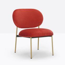 Petit fauteuil design confortable, Blume 2951, Pedrali, tissu velours Kvadrat, rouge, structure laiton, 63x63xH76,5 cm